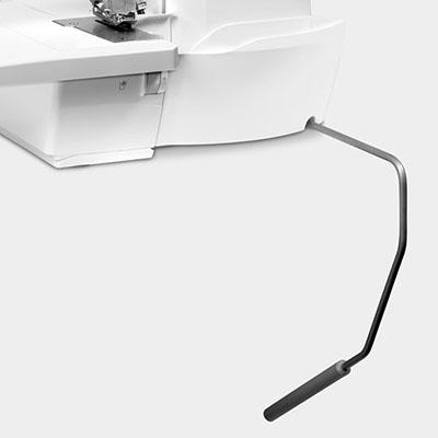 Surjeteuse Bernina L 460 - Système Mains libres FHS / relevage de pied