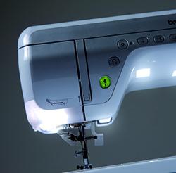 Machine à coudre et à broder Brother Innovis V5 - Eclairage LED