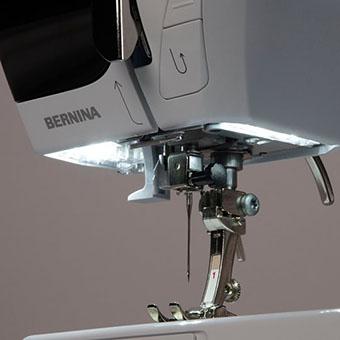 Machine à coudre Bernina 330 First Love - Eclairage LED