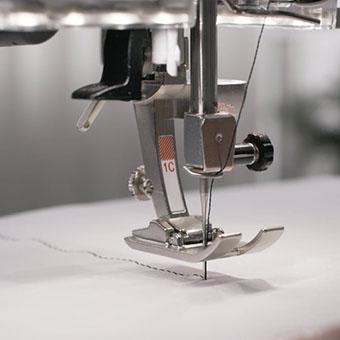 Machine à coudre et à broder Bernina 540 - Les fonctionnalités automatisées permettent de gagner du temps