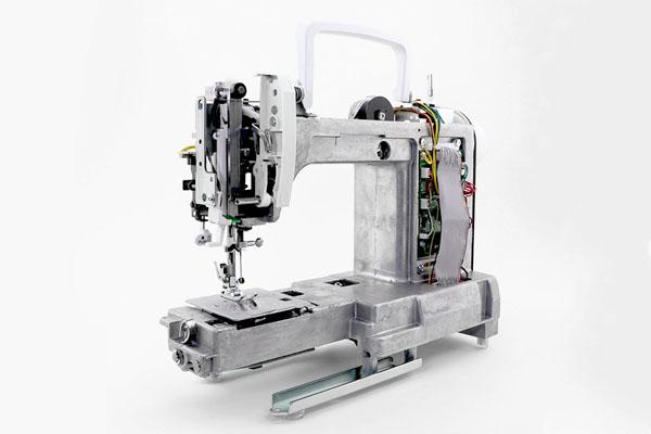 Châssis en aluminium de la machine à coudre Janome M200 QDC