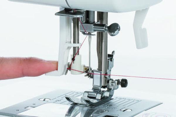 Enfilage automatique de la machine à coudre Juki HZL-60HR-B