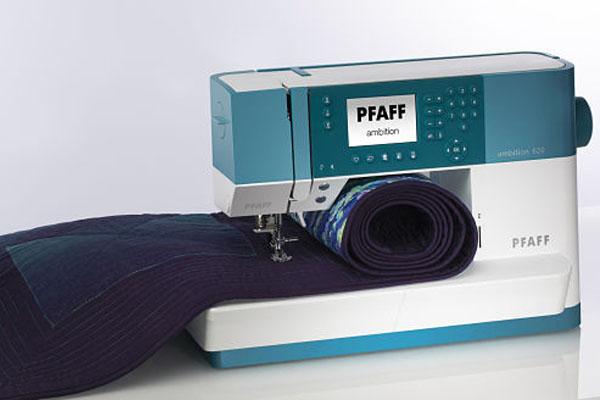 Grand espace de couture - Machine à coudre Pfaff Ambition 620
