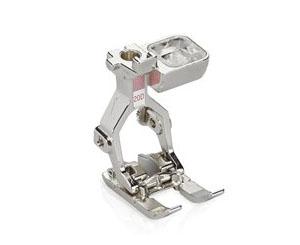 Machine à coudre et à broder BERNINA 880 Plus - Pied ouvert pour broderie 20D